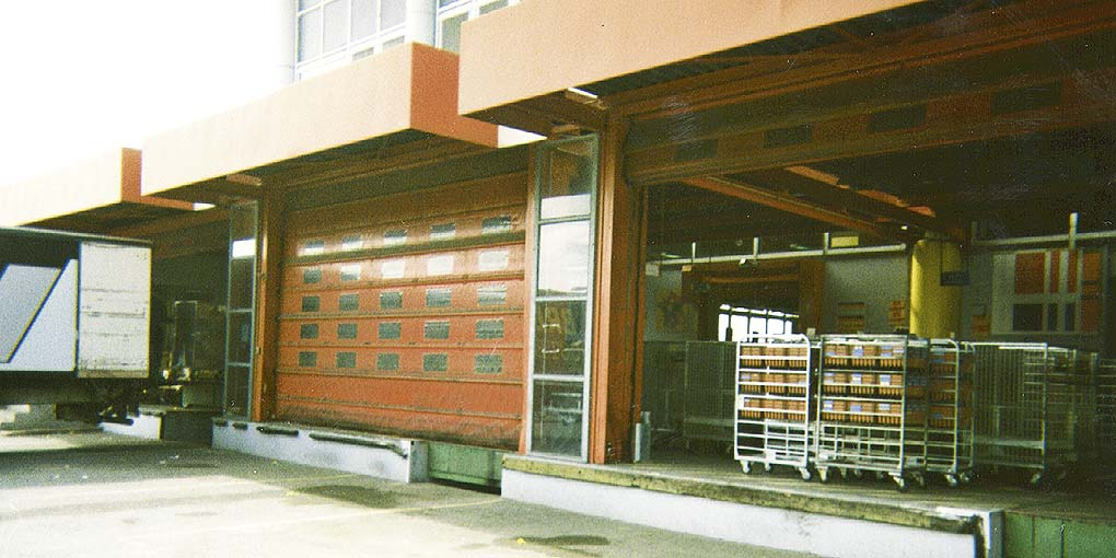 Postal sorting centre, high-speed doors installed in 1997