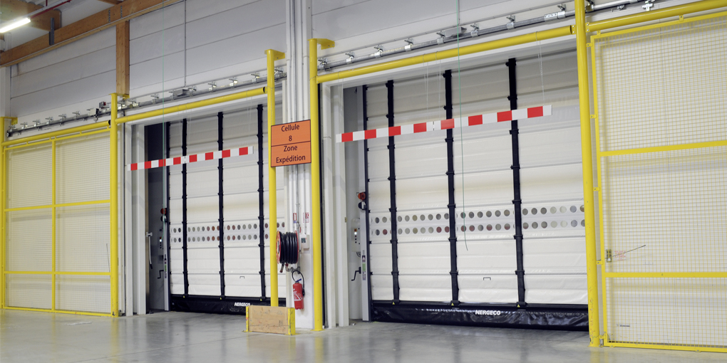 Double-skin isothermal high-speed flexible door