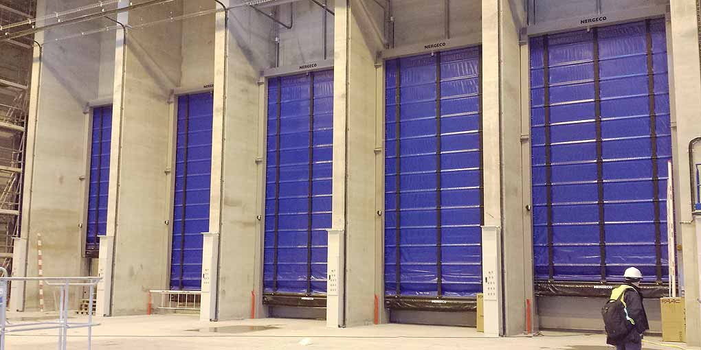 Made-to-measure customised high-speed doors