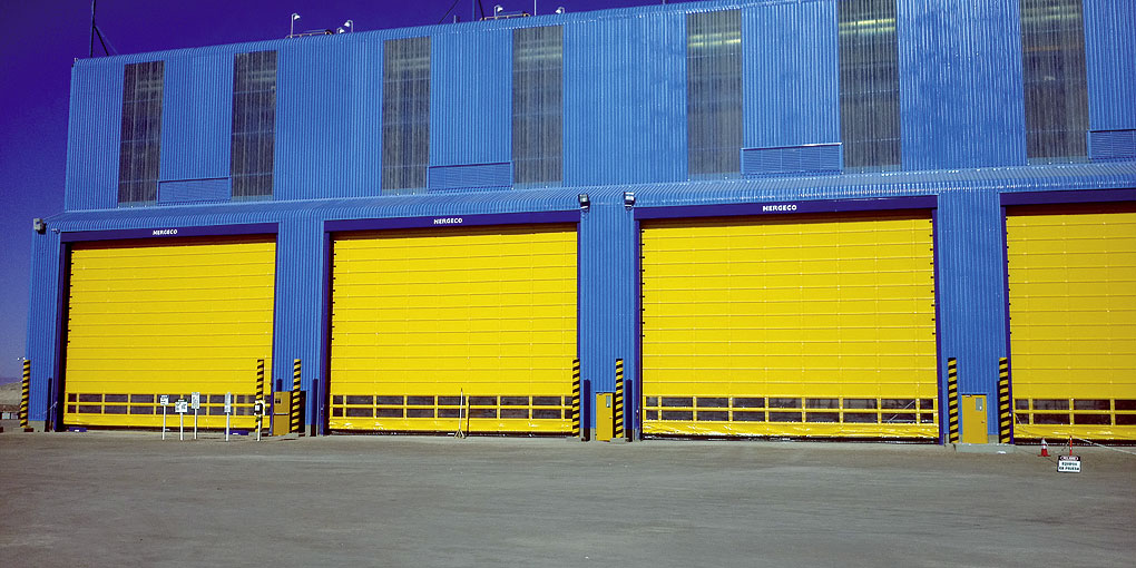 Different installations of Nergeco exterior high-speed flexible doors